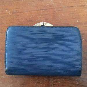 SALE✨LV clasp wallet